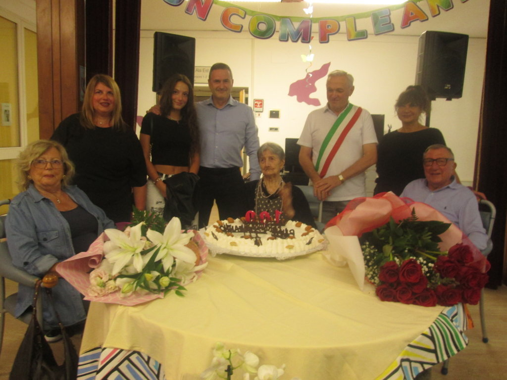 Fernanda Mantovani ha compiuto 100 anni (FILEminimizer)