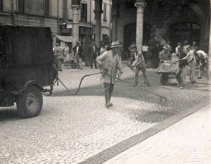 Anni 50 Asfaltatura-Piazza-Costituente2