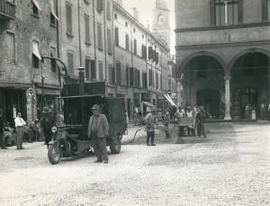 Anni-50-lavori-di-asfaltatura-Archivio-Comunale