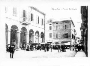 P.zza-Montanara-ora-P.zza-Mazzini-il-mercato-del-formaggio-1920