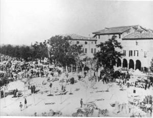 P.zza-del-Castello-mercato-bestiame-1902