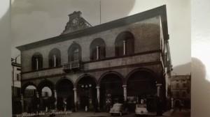 1950-Municipio-Piazza-Costituente-Gent.conc_.-Marina-Rosmini