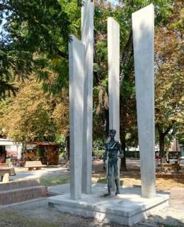 monumento Francesco Montanari