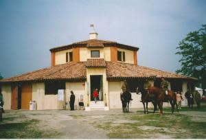San-Martino-Spino-Barchessone-Vecchio-dopo-il-restauro-ma-prima-del-terremoto