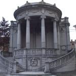Monumento_ai_caduti_a_San_Felice_sul_Panaro_MO-478x580