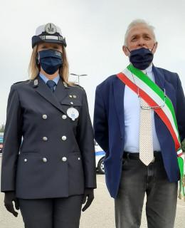 Emanuela_Ragazzi_Ispettore_Superiore_e_Alberto_Greco_Sindaco_di_Mirandola