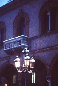 Mirandola-il-balcone-della-loggia-dei-Pico