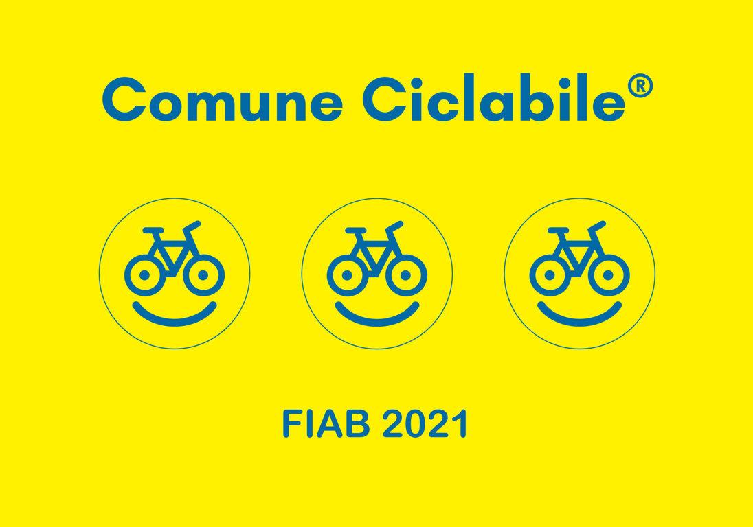 KITgrafica_COMUNICICLABILI 2021_Bandiera 3 smile (FILEminimizer)